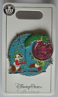 Disney Parks 2019 Christmas Chip and Dale Trading Pin New on Card