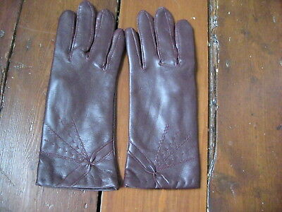 Brand New Pair Of Ladies Vintage Gloves Size Large Burgundy Colour Leather Look
