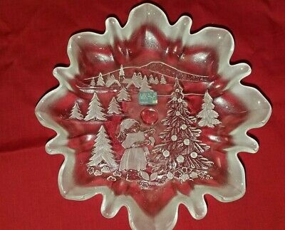 Mikasa Crystal Ruffle Edge Clear&Frosted Christmas Winter Story Desert Dish