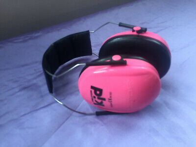 Peltor kids ear muffs childrens hearing protection good codition!