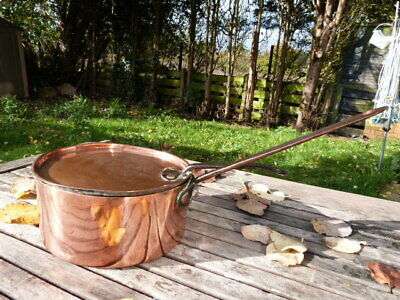 Lovely Antique Victorian Copper & Cast Iron Saucepan With Lid.(A)