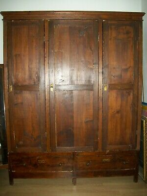 Antique wardrobe, southern Italy, beginning 20th century.