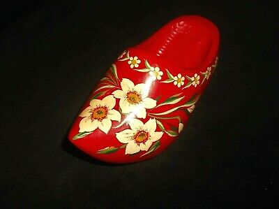 Vintage Small Carved Red Wooden Dutch Wall Hanging Clog Handpainted Daffodils