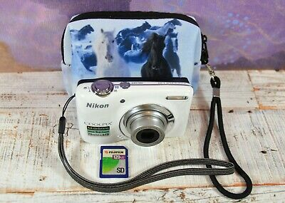 NIKON White Coolpix L25 10.1MP Wide 5x Zoom VR Digital Compact Camera & Case