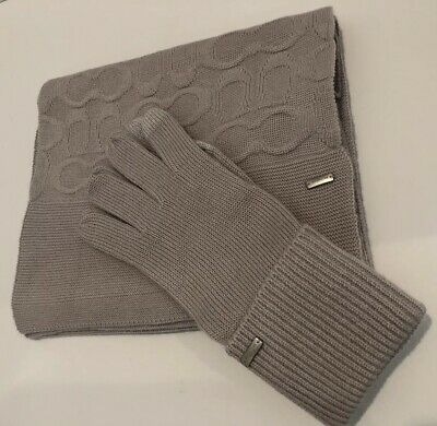 NWT-COACH Ladies Embossed Knit Tech Gloves ICE W/Matching Hat