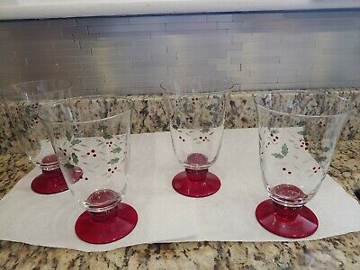 Pfaltzgraff Christmas Winterberry Set of 4 Etched Water Goblets Nice Condition!!