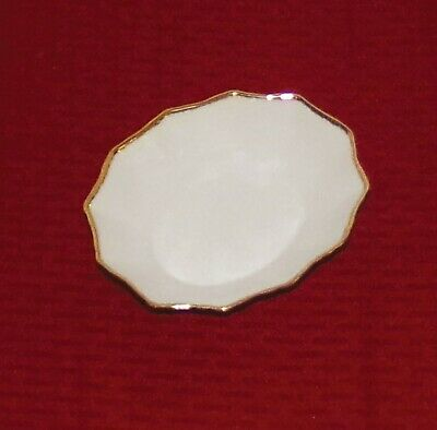 """Royal Albert England Bone China Val D'Or 5 3/4"""" Fancy Oval Sweet Meat Dish - EXC"""