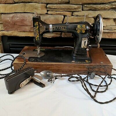 Vtg Antique 1920's-30's Franklin Rotary Sewing Machine Wooden Case light Pedal