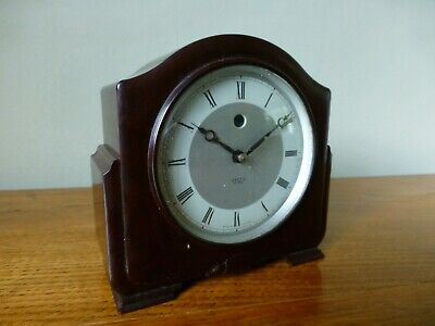 SMITH SECTRIC. BAKELITE ELECTRIC MANTLE CLOCK. Made in England. c.1950
