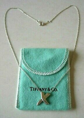TIFFANY & Co.Paloma Picasso Sterling Silver Kiss Pendant Necklace-Mint Condition