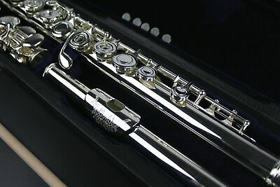 FLUTE Open Hole B Foot Silver Plated ENGRAVED Lip Plate with Case & Bag