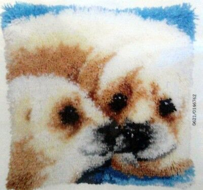 "LATCH HOOK RUG/PILLOW KIT ""SEAL AND PUP"" Animal latch kit be vervaco"