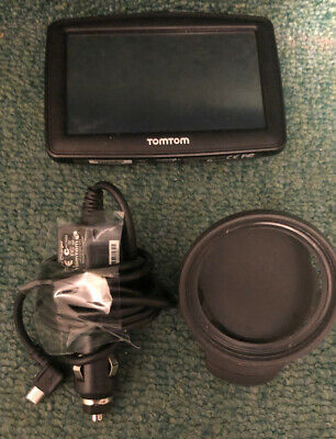 TOM TOM XL GPS with  Window Mount And Charger Bundle  GJ200K05776