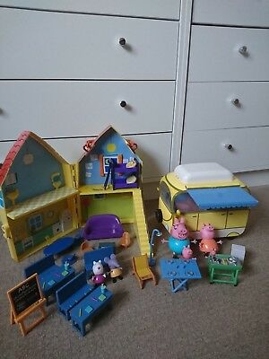 Peppa Pig Large Campervan Complete/Fold Up Take Along Playhouse/School Room/Figs