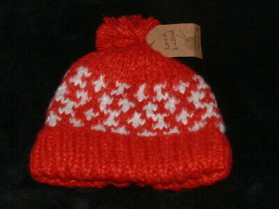 Bnwt   Next  Girls/Boys Red &White  Hand Knitted  Bobble Hat   Age 7-10  Years