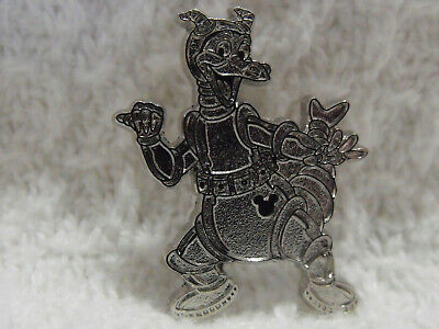 2019 Disney Hidden Mickey Pin Astronaut Space Suit Figment Poses Silver Chaser