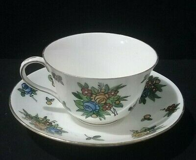 Crown Staffordshire Fine Bone China Floral Tea Cup and Saucer set (B10/08)