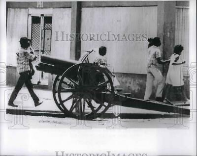 1965 Press Photo Two Families Seek Safety from Rebels in Santo Domingo