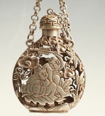 China Old Tibetan Silver Handmade Child Snuff Bottle Pendant Hollow Collection.