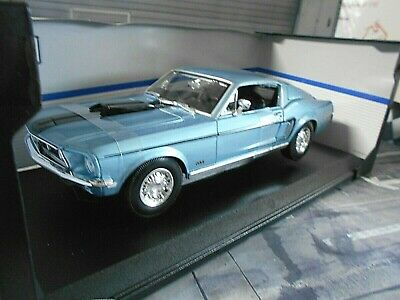 FORD Mustang Coupe Fastback GT Cobra Jet 1968 blau blue V8 Muscle US Maisto 1:18