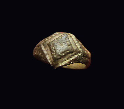 ** EXCELLENT  ** Small Ancient Byzantine Bronze  Ring