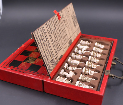Chinese Army Style International Chess 32 Pieces Terra-cotta Warriors Chess  s11