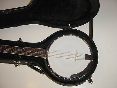 New Full Size 6 String Banjo /Guitar 24 Bracket Closed Back with Hard Shell Case