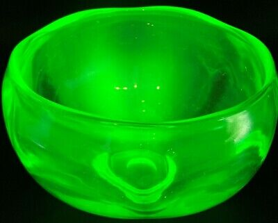 ART DECO Bohemian Czech Green Uranium Vaseline Glass Large Punch Bowl Pot 1920's
