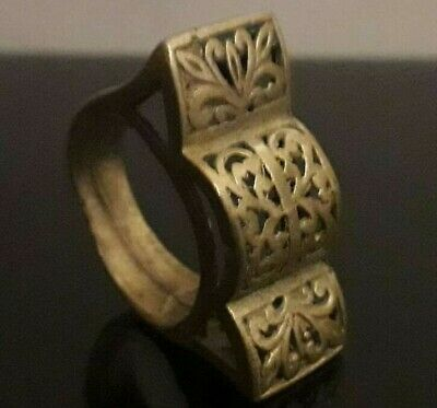 Ancient Ring Roman Legionary Style Stunning Ornament Old Artifact Wearable
