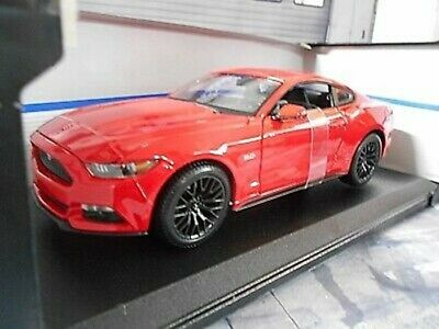 FORD Mustang GT Coupe 2015 red rot V8 Muscle Car US Maisto 1:18