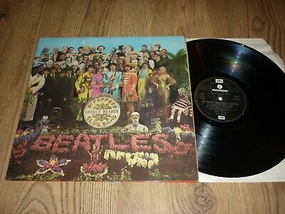 THE BEATLES - Sgt. Peppers Lonely Hearts Club Band - UK LP - PARLOPHONE PCS 7027