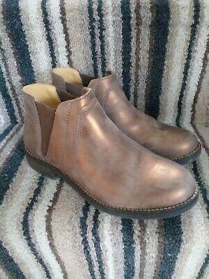 Clarks Bronze leather chelsea boots WOMENS/GIRLS size UK size 3 (35.5) WORN ONCE