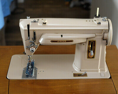 1960 UNIQUE SINGER 404 SEWING MACHINE G model with bobbin winder on top beige