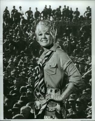 "1969 Press Photo Connie Stevens, ""The Bob Hope Christmas Special"" - spp59207"