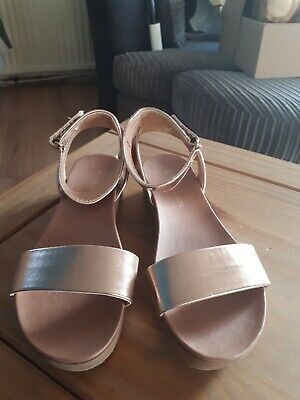 Girls New Look  Ankle strap Sandals.Size 3 UK.Color Rose pink vgc condition.