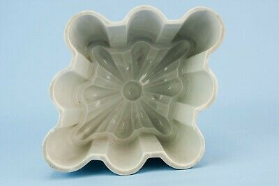Vintage Art Deco BAKING MOULD Stoneware Panelled Gift White Rustic 1930s