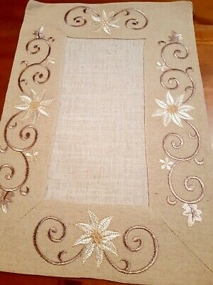 (Set Of 4) 30cm*45cm(White Flower/Bronze Swirl)Polyester Linen/Look Placemats