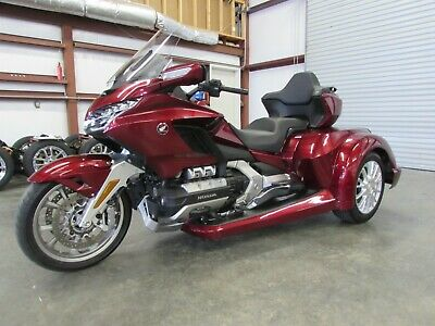 2018 Honda Gold Wing  2018 HONDA GOLDWING TOUR AUTOMATIC DCT  ROADSMITH HTX1800 TRIKE  RUNNING BOARDS