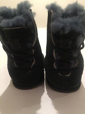 UGG Baby Girls Boots Size S/ 14cm