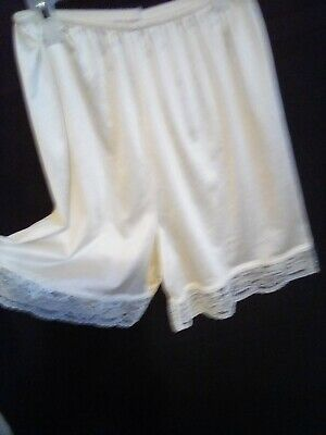 "MMI Women's Ivory Pettipants Long Tap Pants M Lace leg  USA 16 12"" Long"
