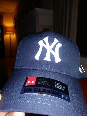 Under Armour New York Yankees CoolSwitch Hat Velcro Back Blue NWT