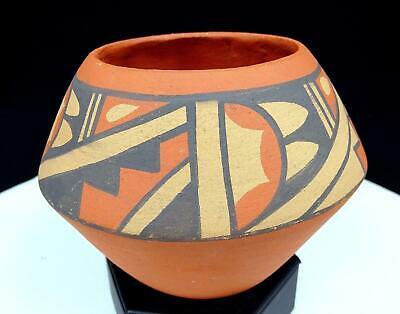 """Native American Art Pottery Aw Signed Jemez Hand Painted 5"""" Vase"""