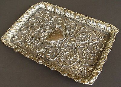 GROSSES RELIEFIERTES ENGLISCHES STERLING SILBER TABLETT, 355 Gr. 27 x 19 cm