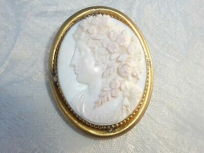 BEAUTIFUL Large ANTIQUE Victorian Carved ANGEL SKIN CORAL CAMEO Brooch detailed