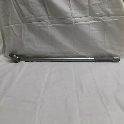 """Mac Tools 18"""" Breaker Bar V-18 with Square Drive in Handle"""