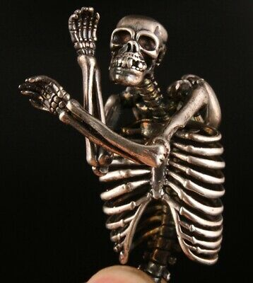 China Tibetan Silver Hand Carved Skull Statue Pendant Gift Deco