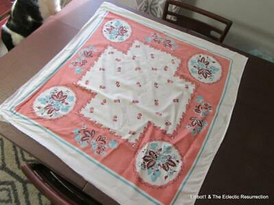 """1940s Printed Cotton Tablecloth Strawberries Vintage 38"""" sq Luncheon Size"""