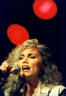 Emmylou Harris 8 x 10//8x10 GLOSSY Photo Picture IMAGE #2