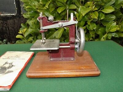 ASTOR Vintage Miniature Sewing Machine with Instructions