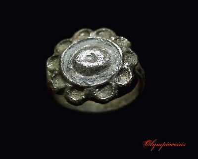 ** EXCELLENT   ** Ancient Roman Silvered Bronze ring